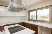 Bright modern kitchen — Stock Photo
