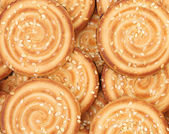 Biscotti rotondi con semi di sesamo. — Foto Stock