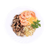 Shrimp salad with lemons and mushrooms. — Stock Photo
