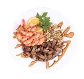 Shrimp salad with mushrooms and onions. — Stock Photo