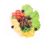Salad with beef fillet and vegetables. — Stock Photo