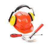 安全帽、 锤子和螺丝刀. — 图库照片