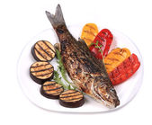 Grilled seabass fish with vegetables. — Stock Photo