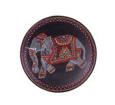 Ceramic plate with varnished elephant. — 图库照片