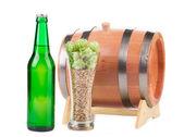 Beer barrel with beer glasses — Stock Photo