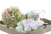 Bandeja com clássico copo de chá — Fotografia Stock