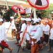 BALI, INDONESIA . December 27, 2013 in Ubud. parade on the street Hanuman — Stock Photo #37980793