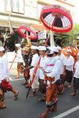 BALI, INDONESIA . December 27, 2013 in Ubud. parade on the street Hanuman — Stock Photo