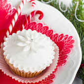 Beautiful christmas cupcake. Selective focus. — Zdjęcie stockowe