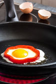 Fried egg in pepper ring — Stock Photo
