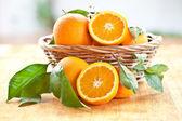 新鮮なジューシー オレンジ — ストック写真