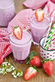 Homemade Milkshake with fresh berries — Stock Photo
