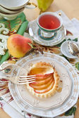 Apple tart with fresh fruit — Stock Photo