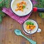 Creamy mushroom soup — Stock Photo #37316443