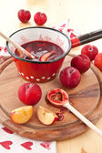 Homemade plum sauce — Stock Photo