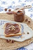 Brioche med hemlagad choklad spridning — Stockfoto