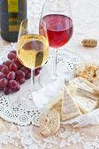 ワイン、チーズ、パン — ストック写真