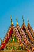 Golden tempel giebel — Stockfoto