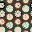 Seamless pattern texture with contours of round clocks. Time outline background — 图库矢量图片