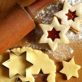 Dough and star shape cookies — Stock Photo