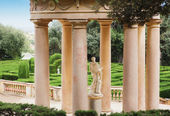 Park gazebo Italian style column. — Stock Photo