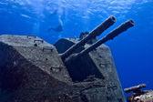 Big gun on shipwreck — Stock Photo