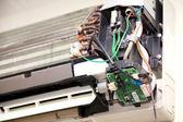 Air conditioner repairing — Stock Photo