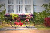 červené kolo vinobraní — Stock fotografie