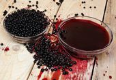 Elderberry fruits — Stock Photo