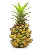Ananas geïsoleerd op witte achtergrond — Stockfoto