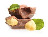 Chocoladestukjes met hazelnoten — Stockfoto