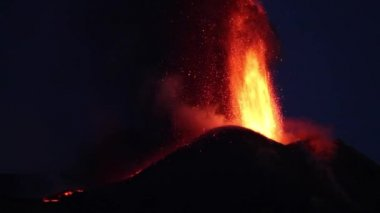 Mt. Etna eruption at nigth — Stock Video