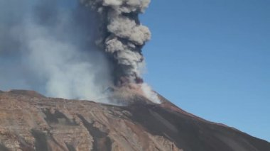 Volcano Etna emission ash — Stock Video