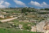 Maltese landscape, Malta, Landscape Countryside Scenery In Malta, cultivated fields on cloudy day in Malta,panoramic view,maltese nature summer in Malta,landscape view of mediterranean Maltese islands — 图库照片