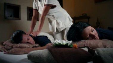 Couple having a massage — Stock Video