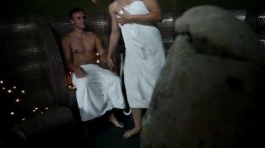Couple in romantic jacuzzi — Stock Video