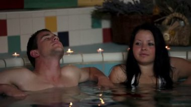 Couple in a hot tub — Stock Video