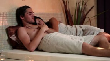 Young couple in a wellness center — Stock Video
