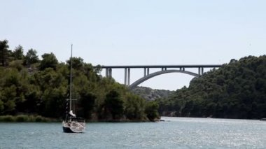 Panoramic shot of canyon of Krka river-Croatia — Stock video