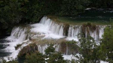Atış şelale krka nehir-Hırvatistan — Stok video