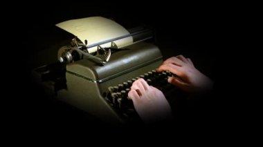 Still shot of writing on typewriter — Stock Video