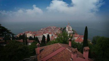 Panoramic shot of Piran from the hill above — Stock Video