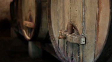 Old wooden barrels — Stock Video