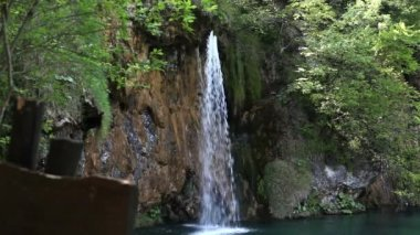 Small waterfall in the national park Plitvice-Croatia — Stock Video