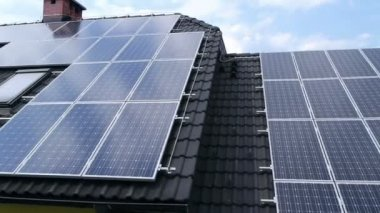 Solar panels on the roof — Stock Video