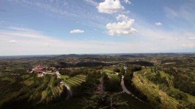 Panoramic shot of a litlle willage near Gorizia — Stock Video