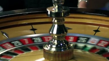 Roulette in casino spinning — Stock Video