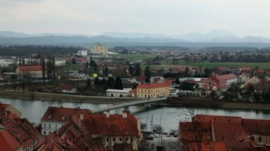 Panoramic view of small city near river — Wideo stockowe