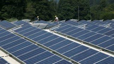 Big solar power station — Stock Video