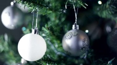 Specially decorated christmas tree with silver decorations — Stock Video